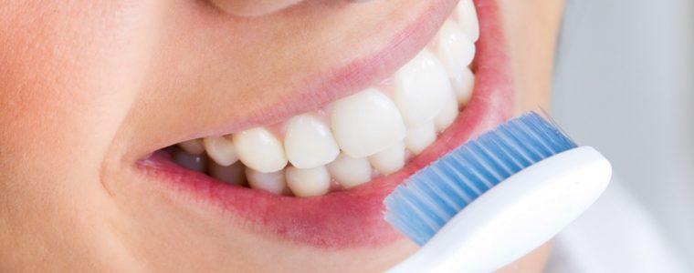 Consejos para evitar la decoloración de los dientes